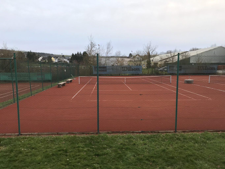 Tennisplatz 2